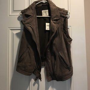 Abercrombie &Fitch vest
