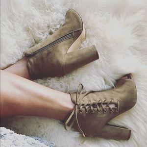 Shoes - Side Corset Lace-Up Chunky Heeled Peep Toe-Olive.