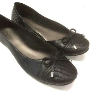 BLACK FAUX LEATHER QUILTED BALLET FLATS bow