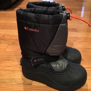 Columbia boots size 2