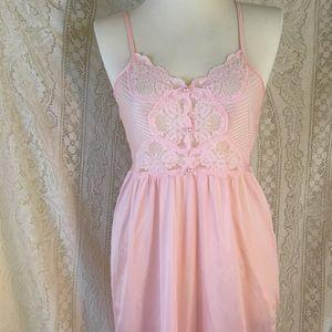 Vintage full length nylon nightie w lace size L