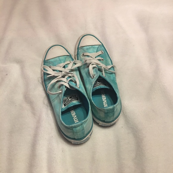 4c4d4f82 Blue tie-dye converse. M_59de6a924e95a3c795030ddb