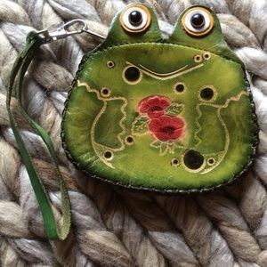 Leather Frog Coin Wristlet w/Roses