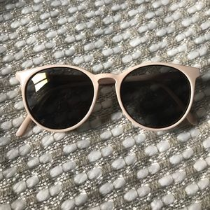 Urban Outfitters Mirrored Sunglasses in blush.