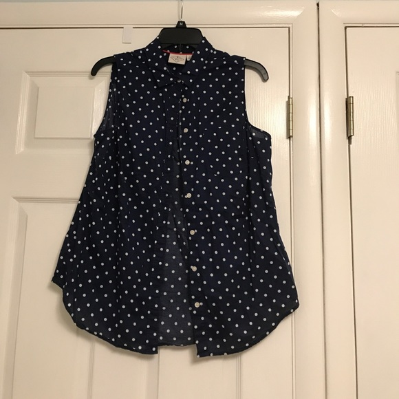 3247fa2446eca Navy blue and polka dot sleeveless blouse. M 59de721f5a49d08bee033443