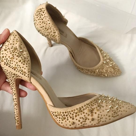 8e701012ebd 🎉HP❗️Zara studded nude and gold heels. M 59de8de636d59422880051b3