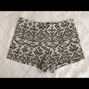 Aztec print back zip shorts