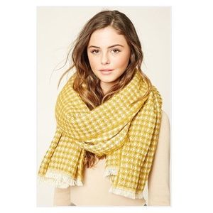 Yellow Forever 21 scarf NWT