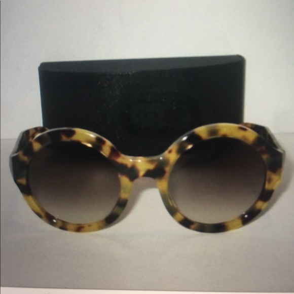 e1ecf8d82a816 PRADA round tortoise Havana brown sunglasses. M 59de7fd26d64bc90f5001c65.  Other Accessories you may like. Women s Prada Sunglasses