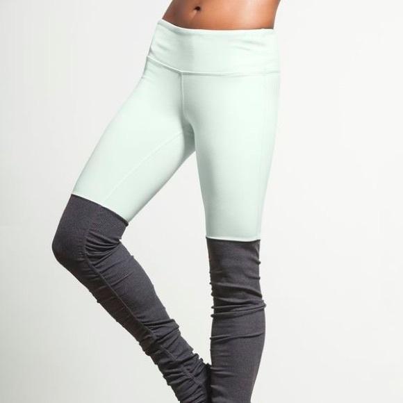 bbb48cbbec81ae ALO Yoga Pants - Alo Yoga Goddess Legging - Mint