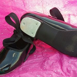 Girls size 13 Tap shoes