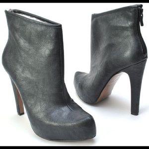 BCBG Pallin black leather platform booties size 8