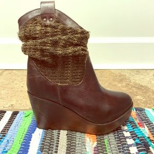Bed Stu Brown Leather Wedge Boots!!