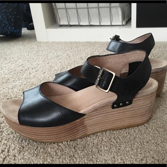 5a656e7cbd99 Dansko Shoes - Dansko Silvio Quarter Strap Sandal