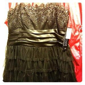 Strapless short little blk dress