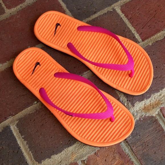 9727e81f8  SALE Nike flip flops orange pink sz 7. M 59de9ba95a49d0b9c0009163