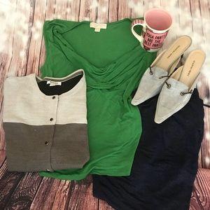 Woman sleeveless shirt