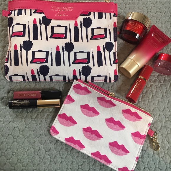 Estee Lauder Other - Estée Lauder make up bag with samples