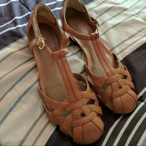 Shoes - PRIVATE LISTING for Clarks Henderson Lucks