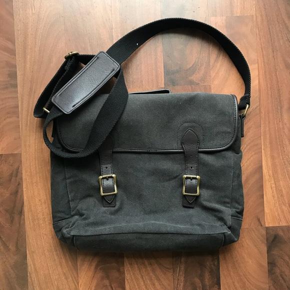 Banana Republic Bags   Mens Messenger Bag   Poshmark dc0b5954ca