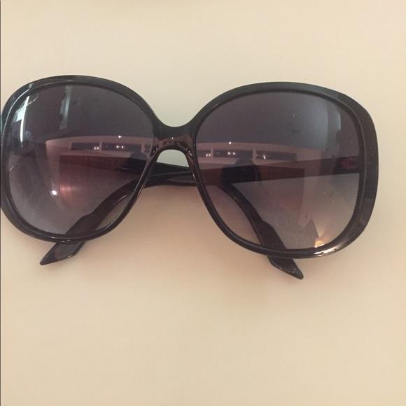 b0c186d01cf Gucci Accessories -  SALE ! Rare Gucci sunglasses!