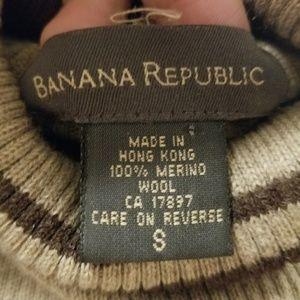 Banana Republic Sweaters - BANANA REPUBLIC SWEATER