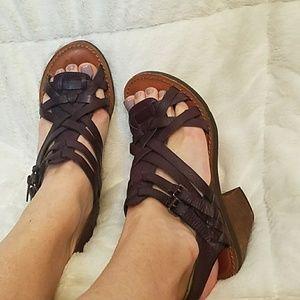 Lucky Brand deep purple leather sandles