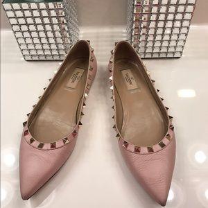 Valentino Rockstud Pointy Toe Flats 💖💗💕
