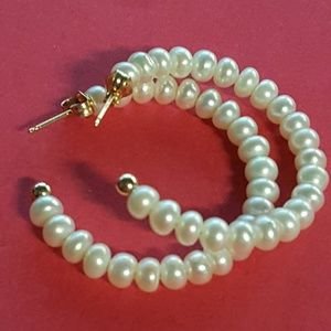 Jewelry - #HOST PICK # 14k pearl hoops
