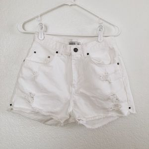 Ripped High waisted Shorts (Zara)