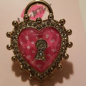 Luv Betsey heart stretch ring