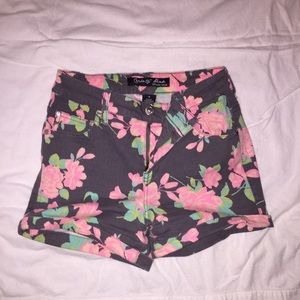 Tight Floral High-waisted Shorts