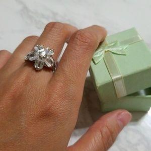 New flower stone ring