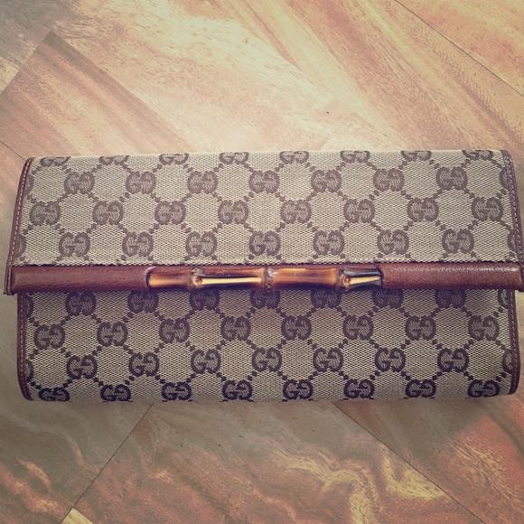9fa30452f45 Gucci Handbags - Gucci vintage bamboo clutch