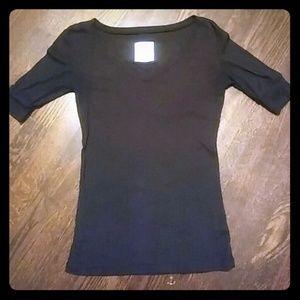 Black 1/4 Sleeve Shirt
