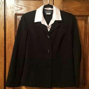 EUC Willow Ridge blazer with faux collar