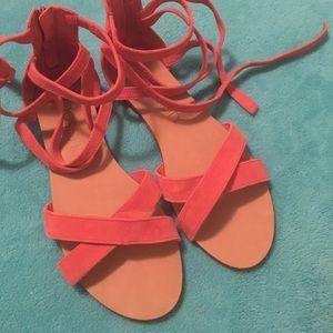 Cute Comfy sandals! Salmon color Size 8