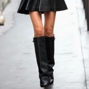 Kelly & Katie black fold over leather boots