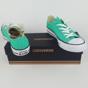 Converse Shoes - *NEW* Converse Chuck Taylor All Star Men-7/Women-9