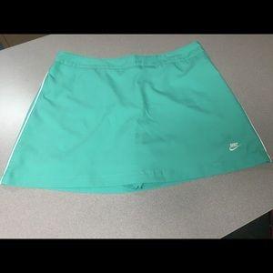 Green tennis skirt