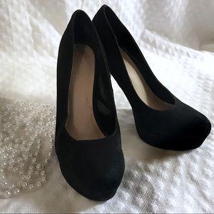 Lauren Conrad Black Suede/Velvet Heels Size 7.5