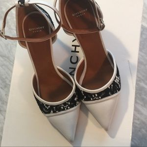 GIVENCHY Ranelle Leather & Lace Screw-Heel