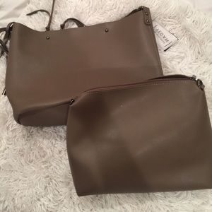 Melie Bianco vegan leather shoulder bag 💼