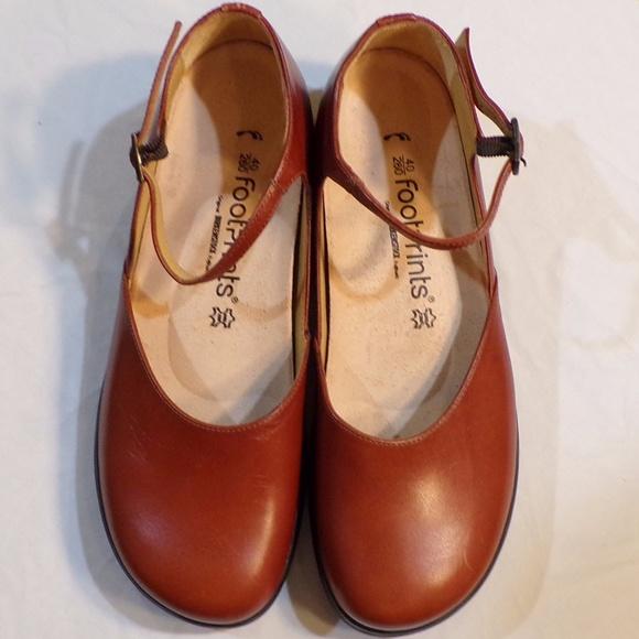 sports shoes ac303 57582 Brikenstock Footprints Tan Eden Mary Jane Clogs