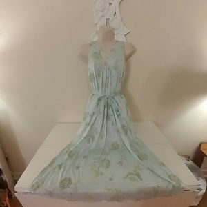 Vintage blue and green floral maidenform negligee