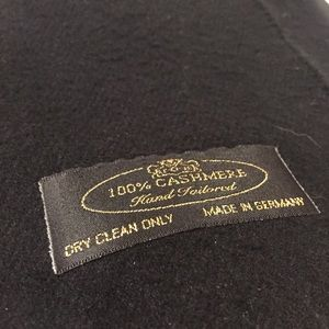 Accessories - 100% cashmere hand tailored made in Germany scarf