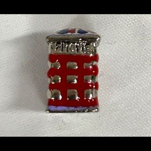Punster European London bead telephone booth new!