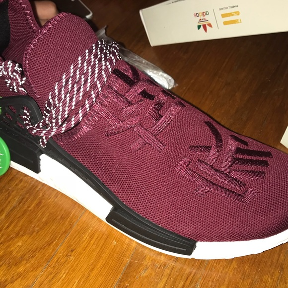 online store b25f2 ebc24 Pharrell Williams Adidas NMD Friends and Family NWT