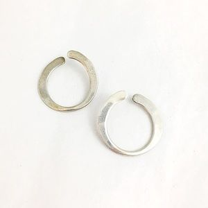 Jewelry - Vintage Sterling Silver O Posts