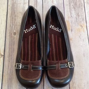 Mudd buckle embellished shoes